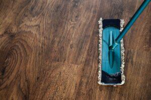Jak chronić drewniane podłogi?